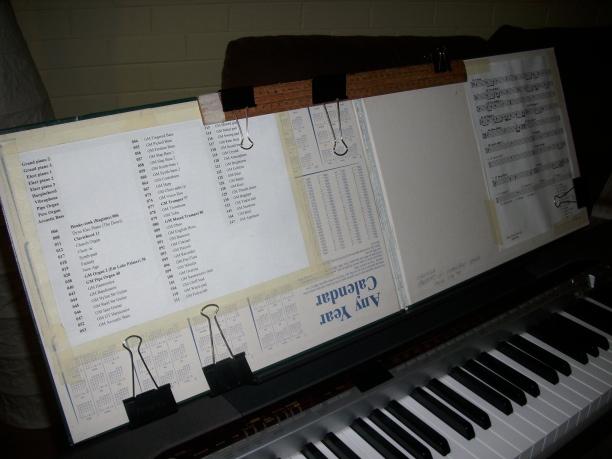 20111208.08-extended-homemade-music-stand72.jpg