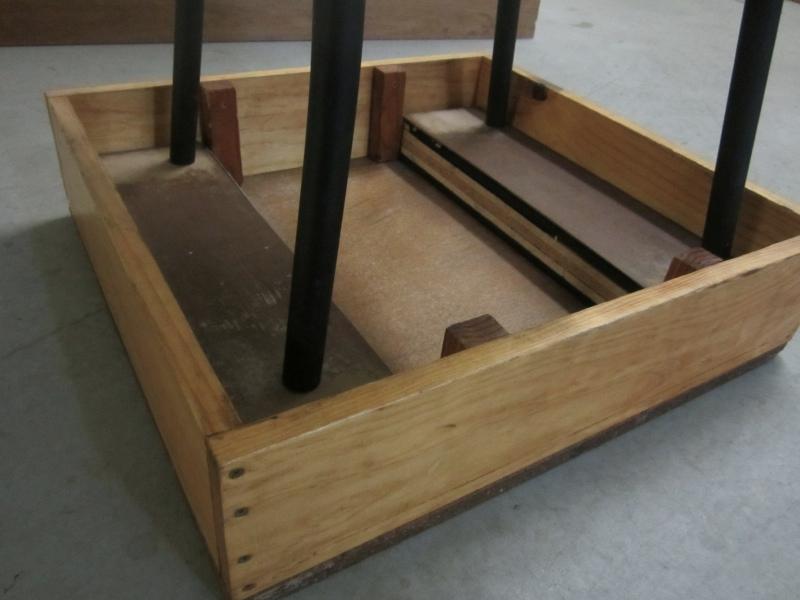 20120718.2-piano-chair-box